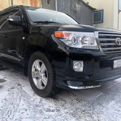 Toyota Land Cruiser 200 (10)